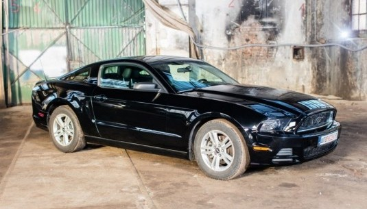 Ford Mustang 14' kontra Ford Mustang 15'