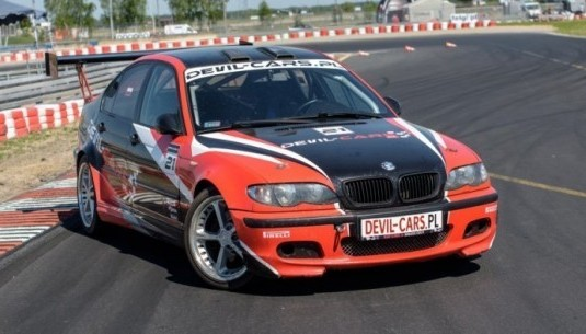 BMW M Power (E46) kontra  Mitsubishi Lancer Evo